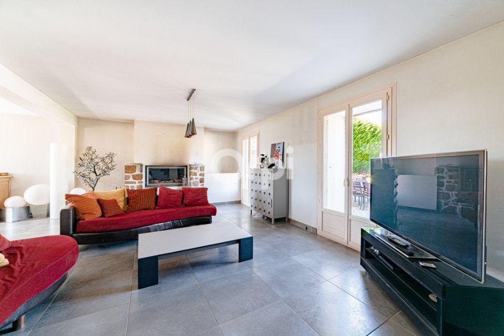 Maison à vendre 9 220.4m2 à Saint-Laurent-sur-Gorre vignette-3