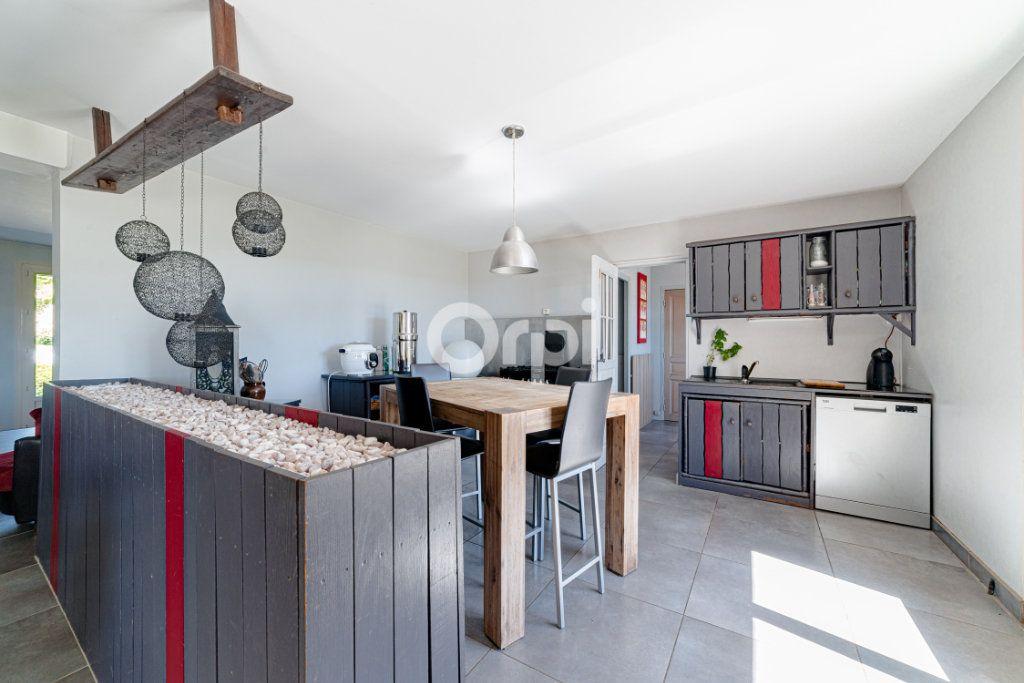 Maison à vendre 9 220.4m2 à Saint-Laurent-sur-Gorre vignette-5
