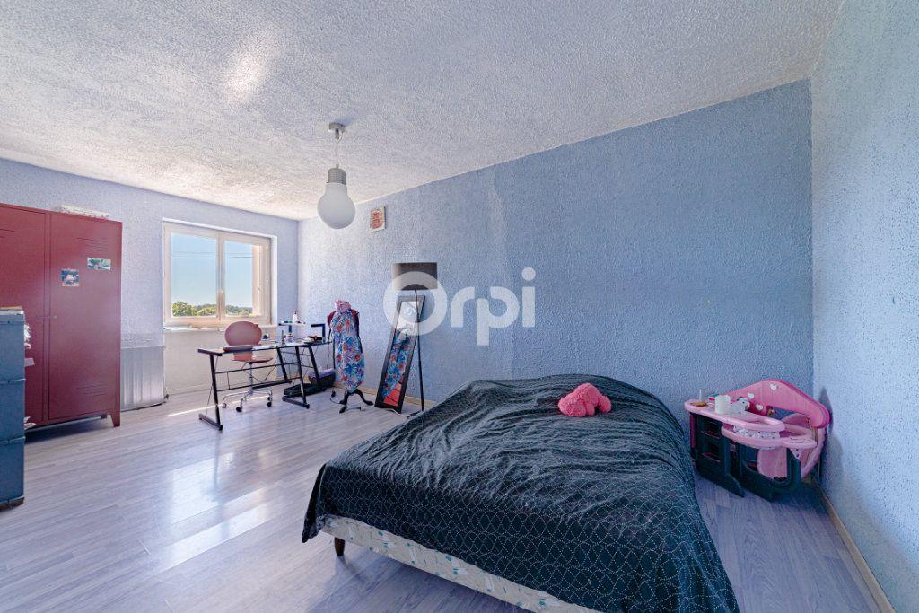 Maison à vendre 9 220.4m2 à Saint-Laurent-sur-Gorre vignette-7