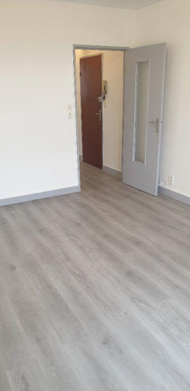 Appartement à louer 1 30.05m2 à Limoges vignette-3