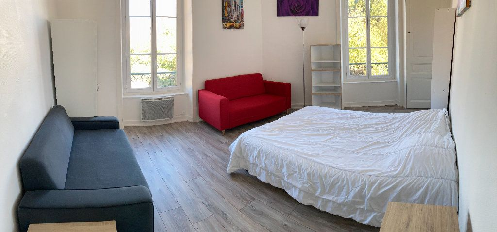 Appartement à louer 3 83.47m2 à Limoges vignette-3