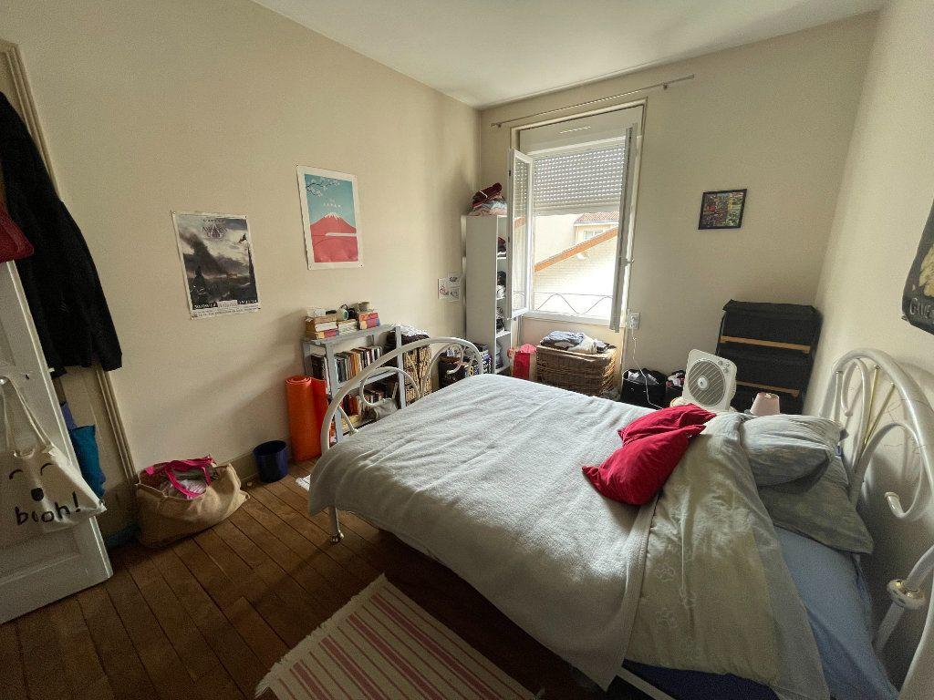 Appartement à louer 3 74m2 à Limoges vignette-3