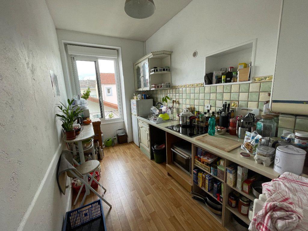 Appartement à louer 3 74m2 à Limoges vignette-5