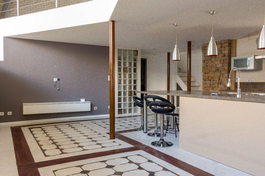 Appartement à louer 4 107.94m2 à Limoges vignette-2