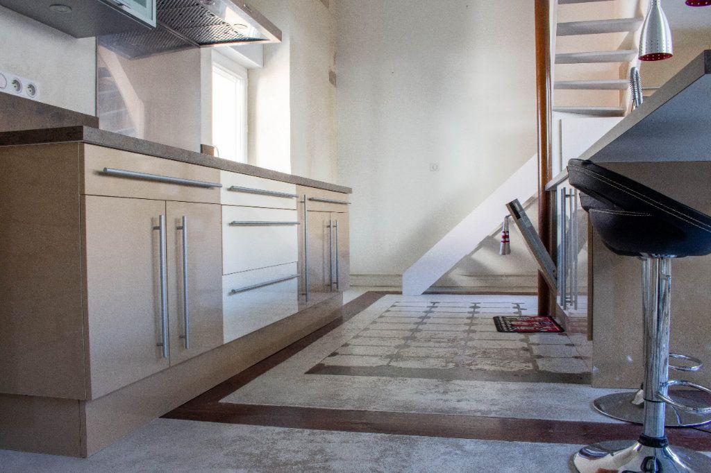 Appartement à louer 4 107.94m2 à Limoges vignette-3