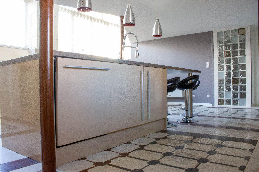 Appartement à louer 4 107.94m2 à Limoges vignette-4