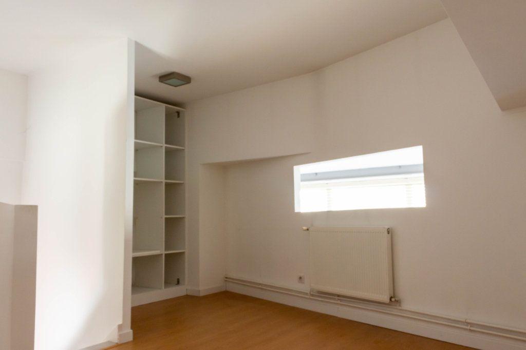 Appartement à louer 4 107.94m2 à Limoges vignette-10