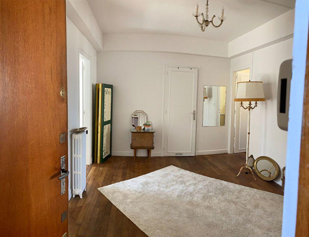 Appartement à louer 3 76.5m2 à Limoges vignette-2
