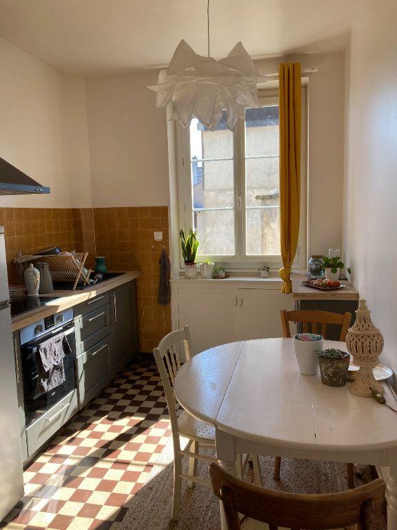 Appartement à louer 3 76.5m2 à Limoges vignette-3