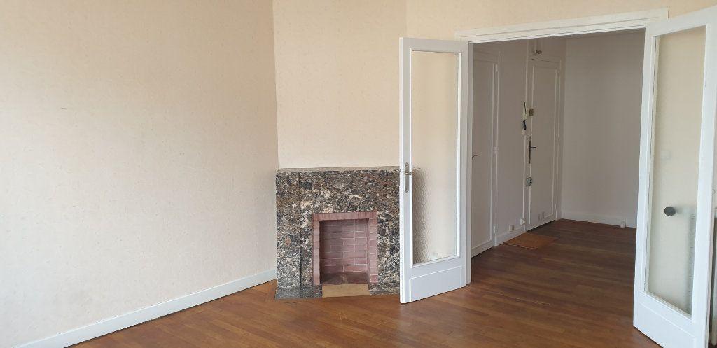 Appartement à louer 3 76.5m2 à Limoges vignette-9