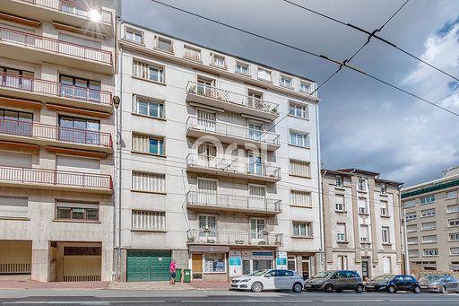 Appartement à vendre 5 121m2 à Limoges vignette-1