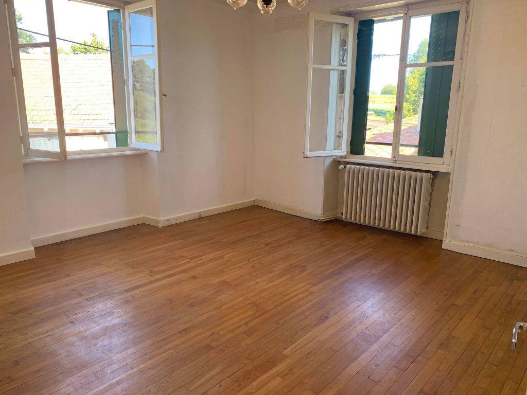 Maison à vendre 5 104m2 à Saint-Laurent-sur-Gorre vignette-3