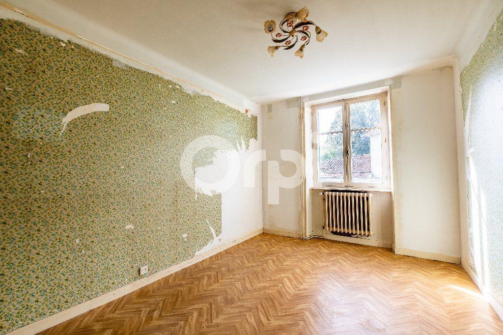 Maison à vendre 5 104m2 à Saint-Laurent-sur-Gorre vignette-5
