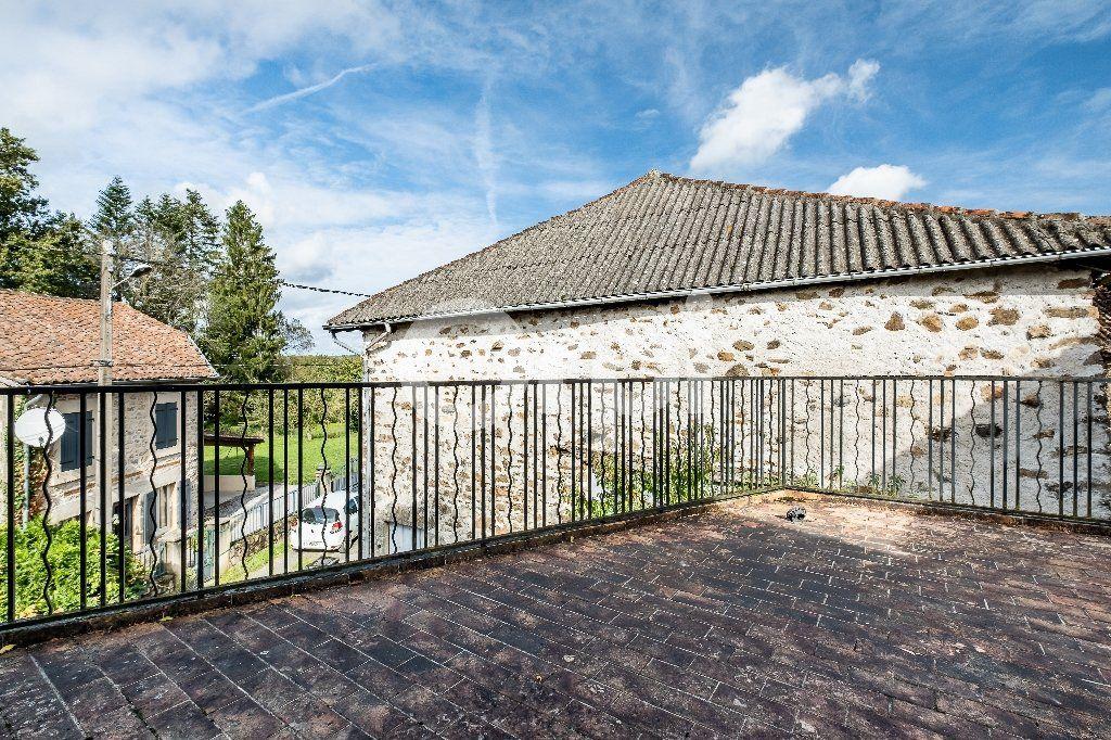 Maison à vendre 5 104m2 à Saint-Laurent-sur-Gorre vignette-10
