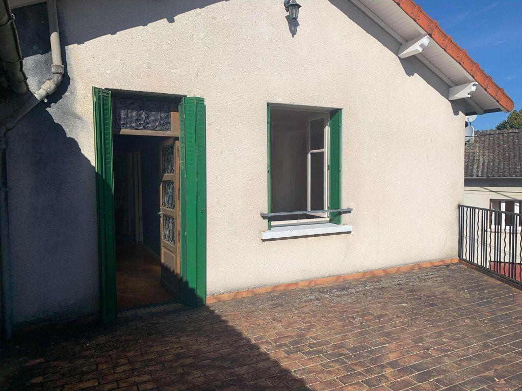 Maison à vendre 5 104m2 à Saint-Laurent-sur-Gorre vignette-15