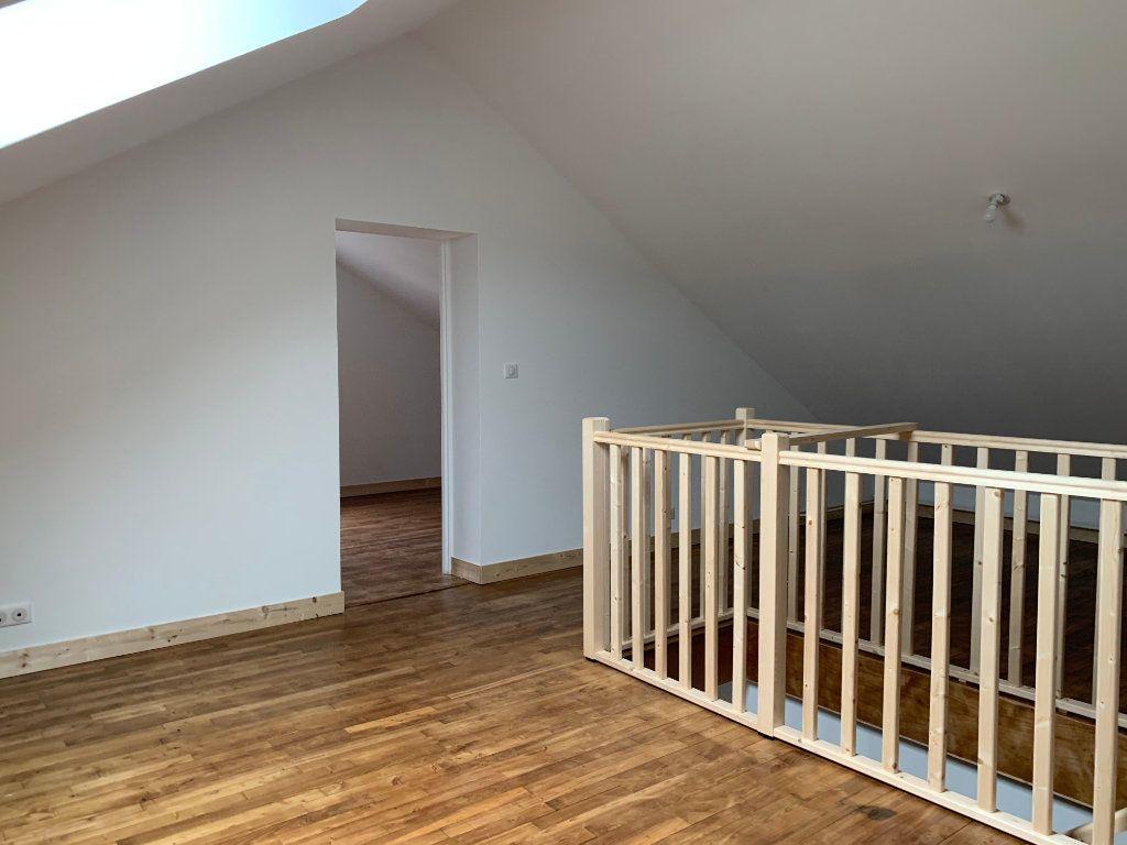 Maison à louer 4 95m2 à Rochechouart vignette-7