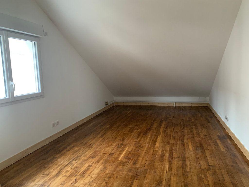 Maison à louer 4 95m2 à Rochechouart vignette-8