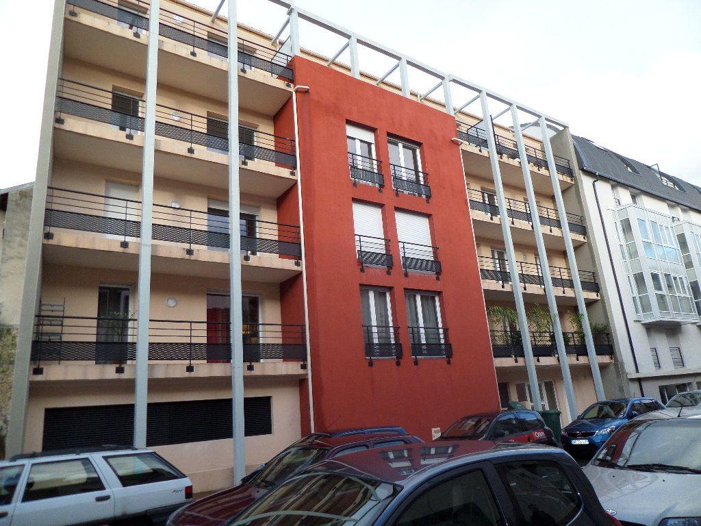 Appartement à louer 4 87.46m2 à Limoges vignette-1