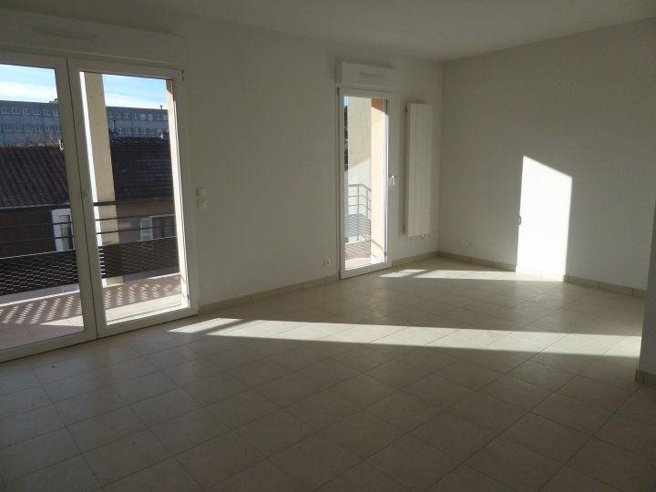 Appartement à louer 4 87.46m2 à Limoges vignette-2