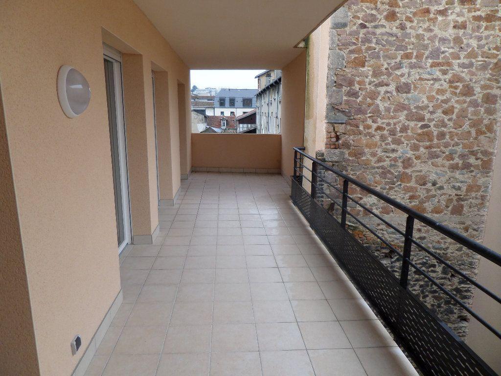 Appartement à louer 4 87.46m2 à Limoges vignette-3