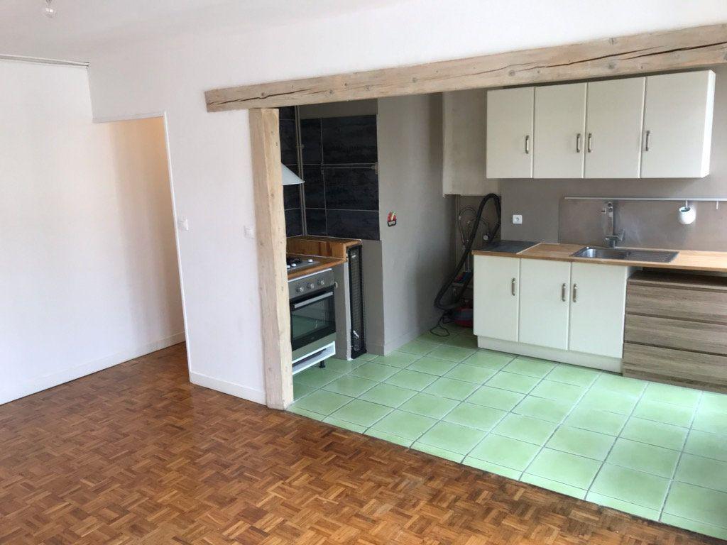 Appartement à louer 3 52m2 à Limoges vignette-2