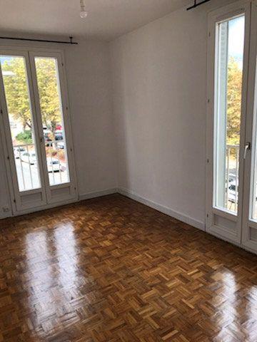Appartement à louer 3 52m2 à Limoges vignette-5