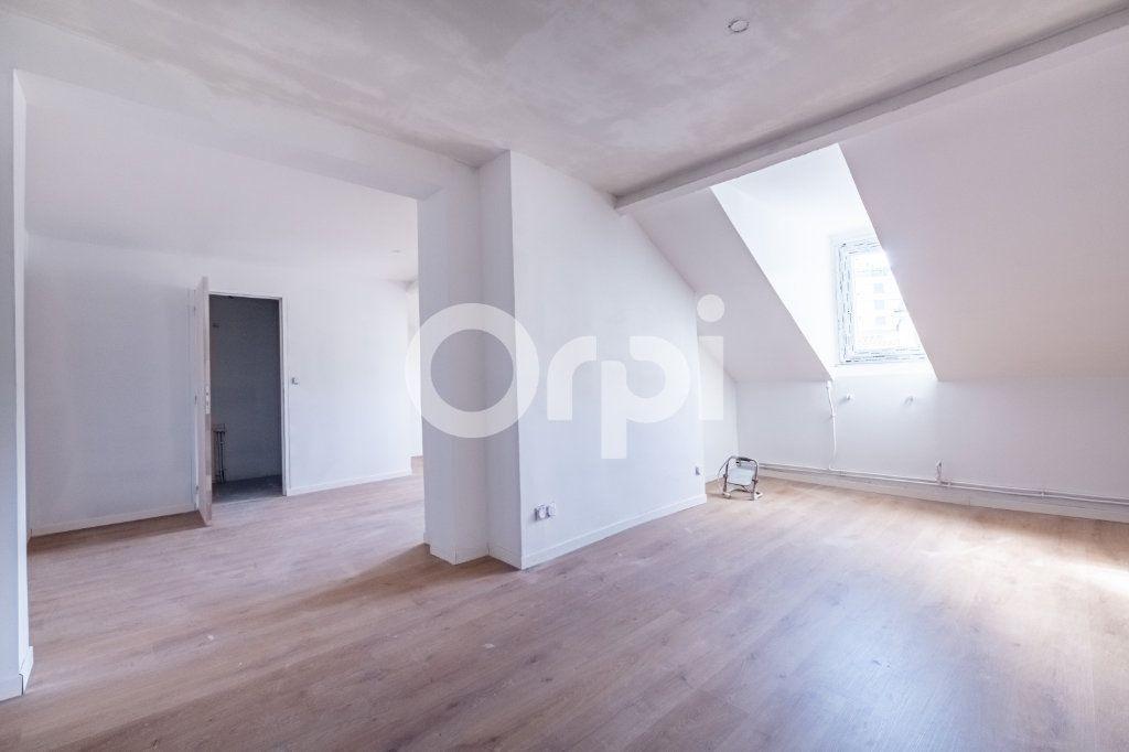 Appartement à vendre 5 110.84m2 à Limoges vignette-2