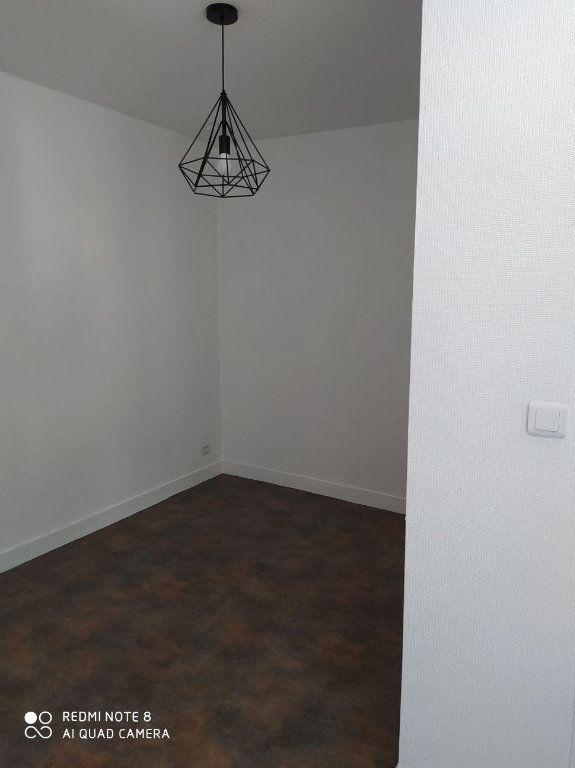Appartement à vendre 1 26m2 à Limoges vignette-4
