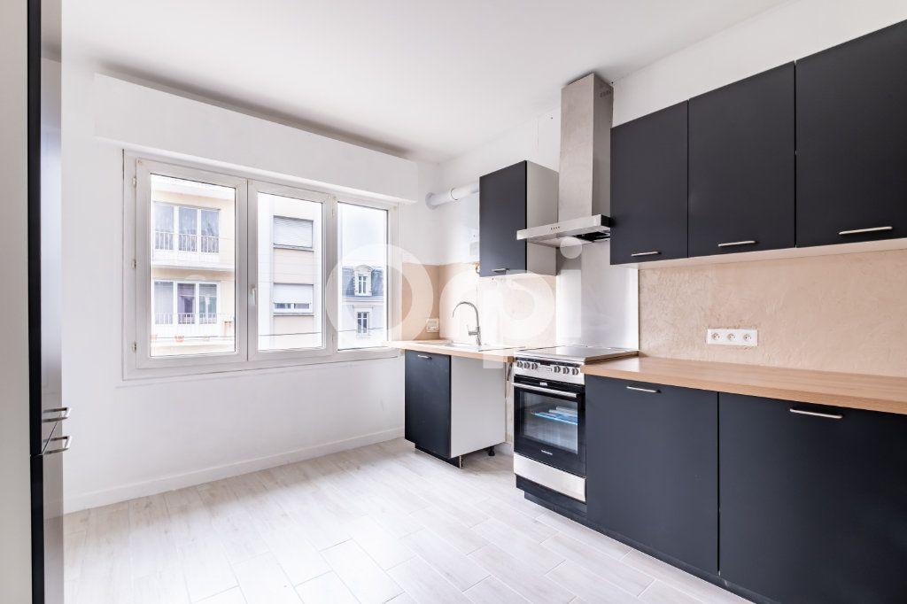 Appartement à louer 4 87m2 à Limoges vignette-2