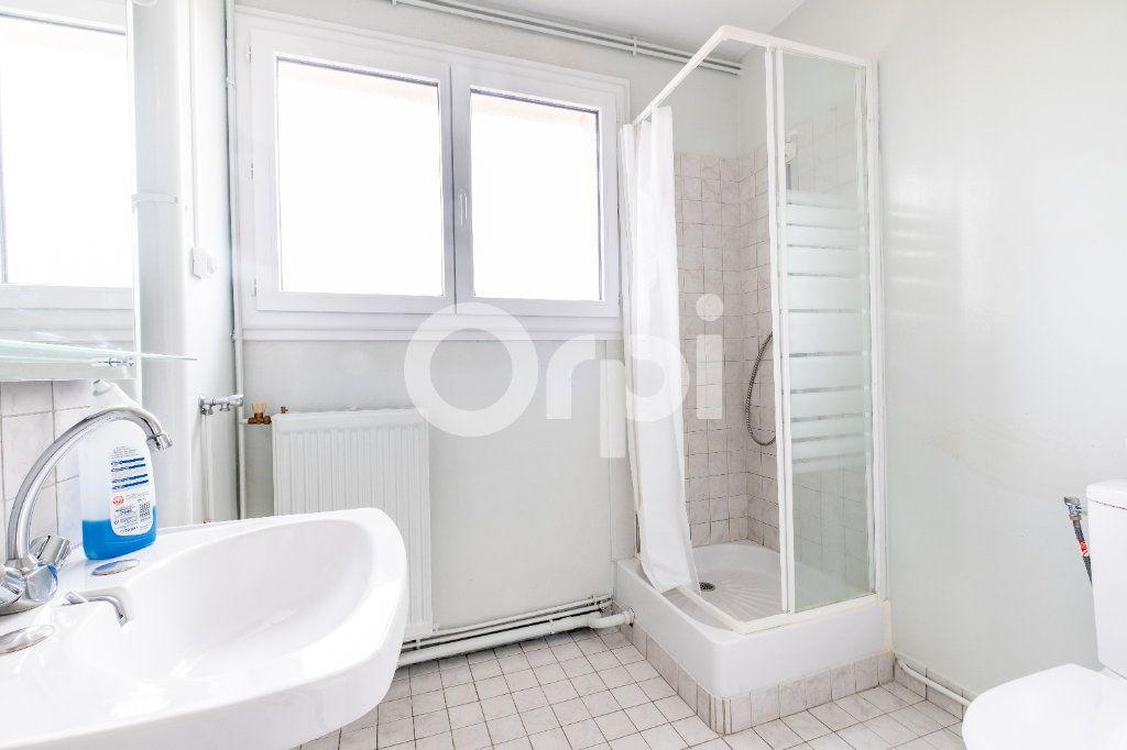 Appartement à louer 1 28.93m2 à Limoges vignette-2