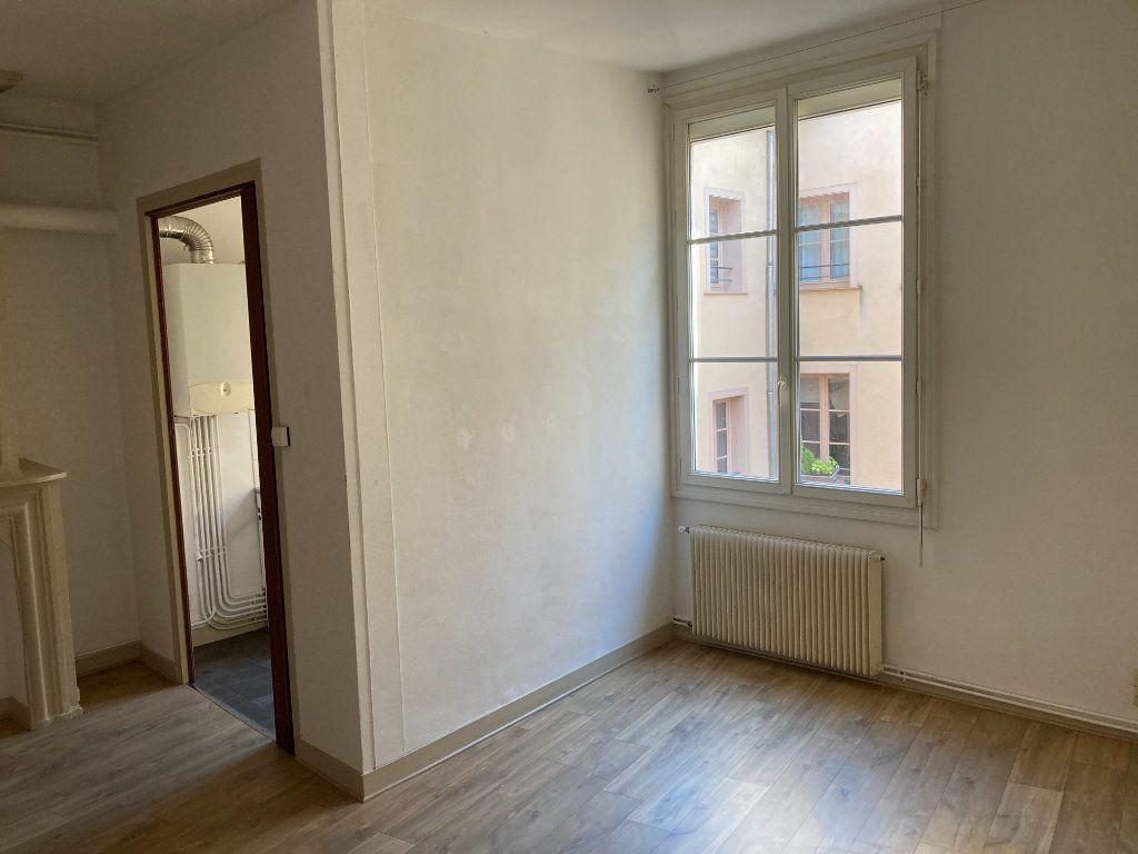 Appartement à louer 1 28.94m2 à Limoges vignette-3