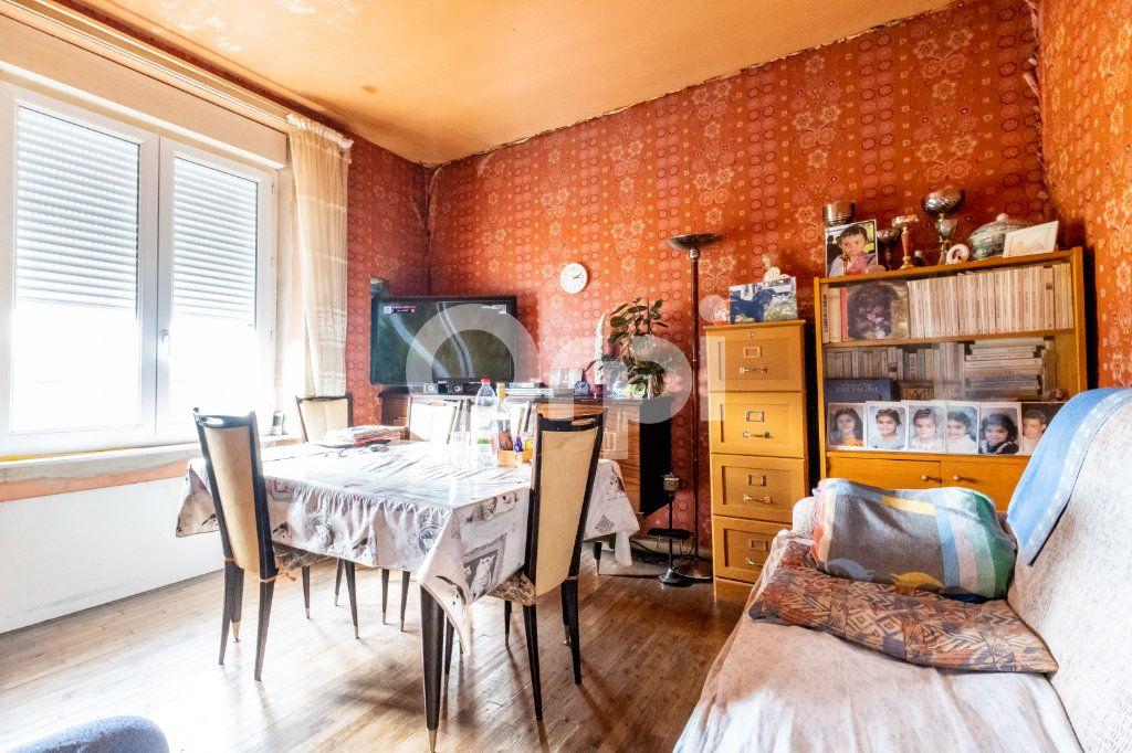 Maison à vendre 3 88.2m2 à Saint-Victurnien vignette-3