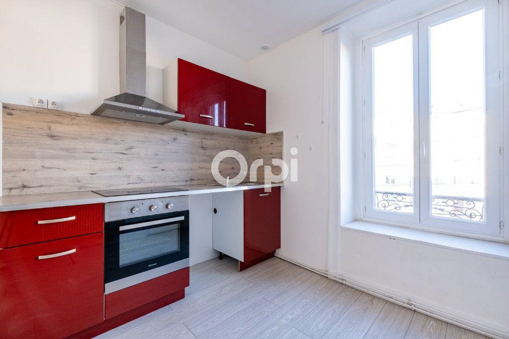 Appartement à louer 3 75m2 à Limoges vignette-2