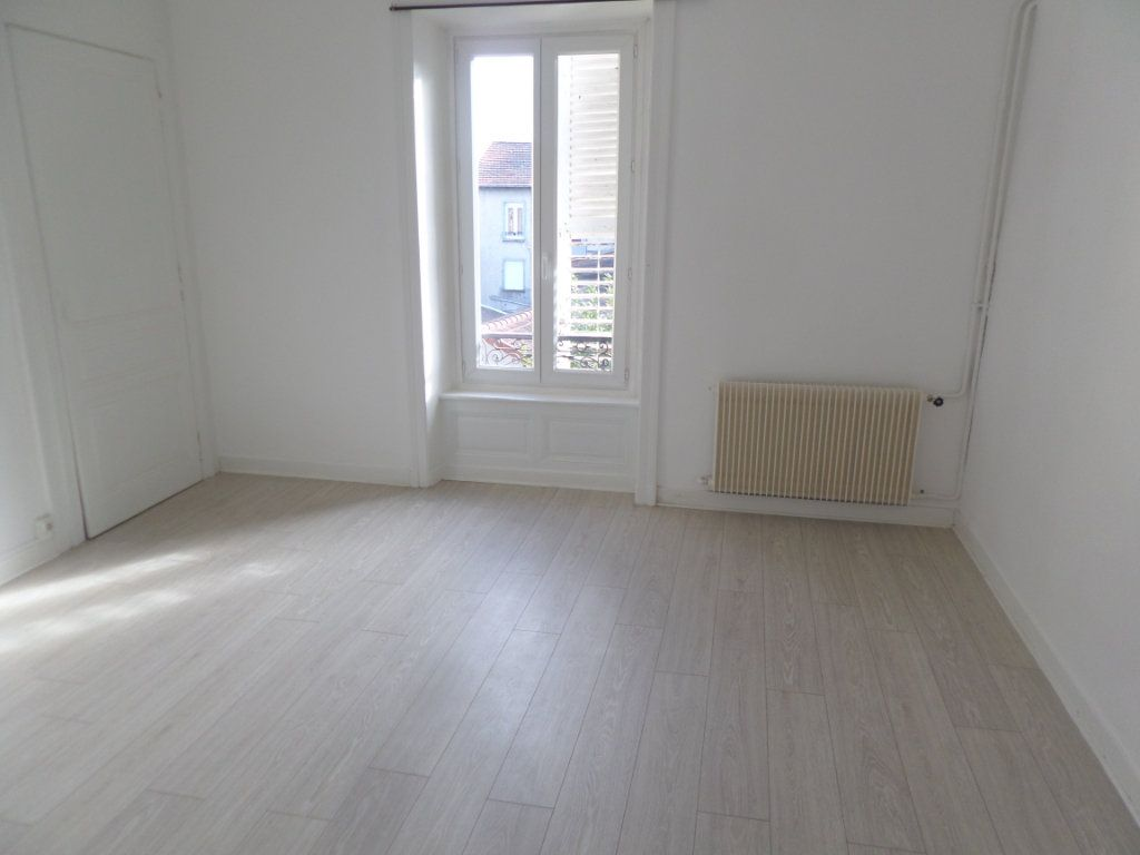 Appartement à louer 3 75m2 à Limoges vignette-5