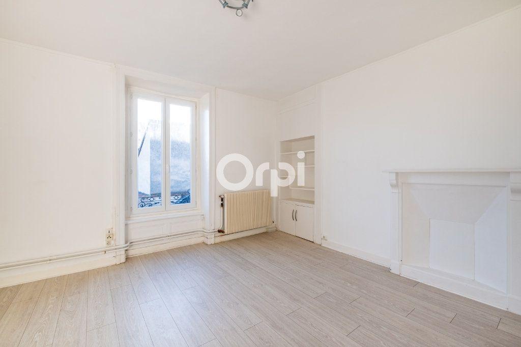 Appartement à louer 3 75m2 à Limoges vignette-6
