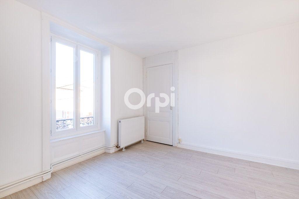 Appartement à louer 3 75m2 à Limoges vignette-8