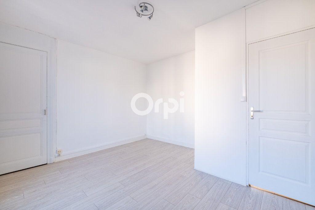 Appartement à louer 3 75m2 à Limoges vignette-9