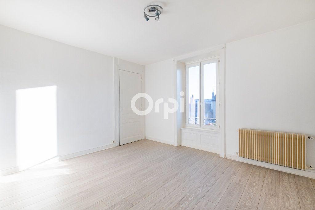 Appartement à louer 3 75m2 à Limoges vignette-10