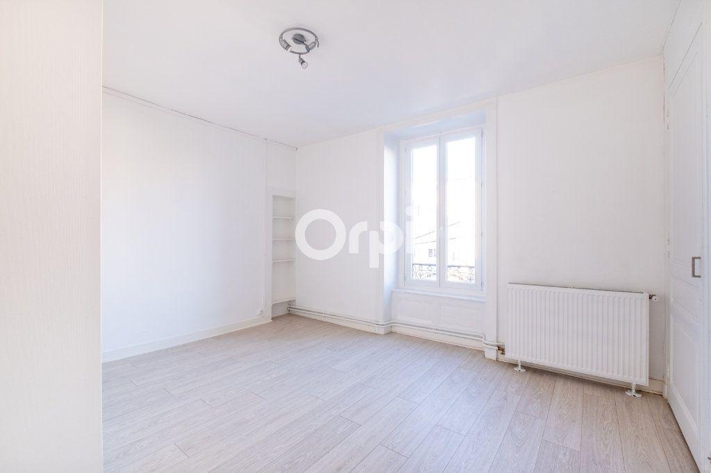 Appartement à louer 3 75m2 à Limoges vignette-11