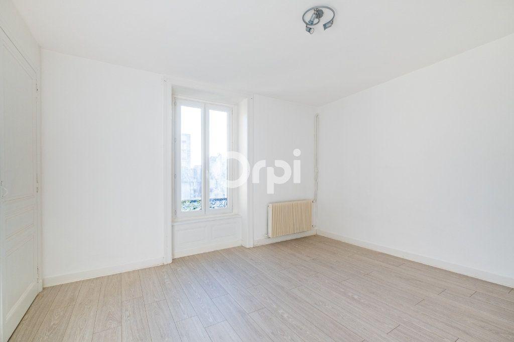 Appartement à louer 3 75m2 à Limoges vignette-12