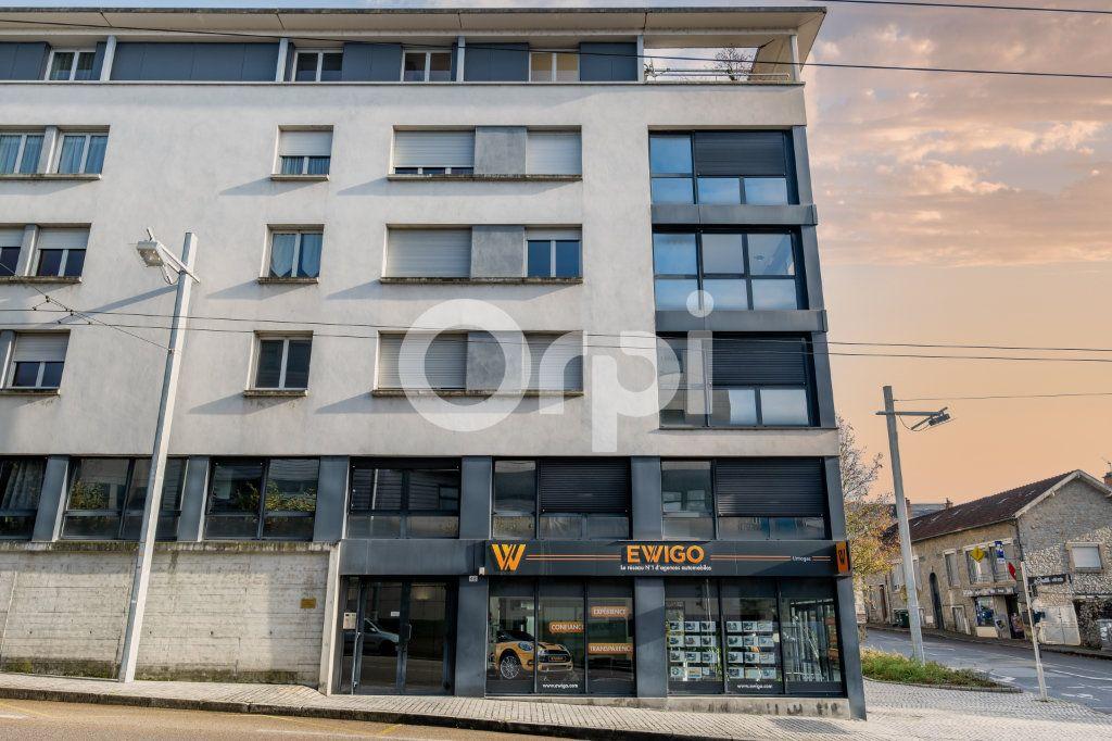 Appartement à vendre 6 128.84m2 à Limoges vignette-1