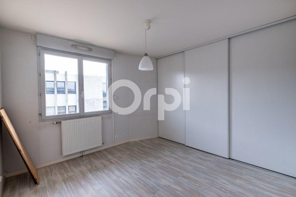 Appartement à vendre 6 128.84m2 à Limoges vignette-9