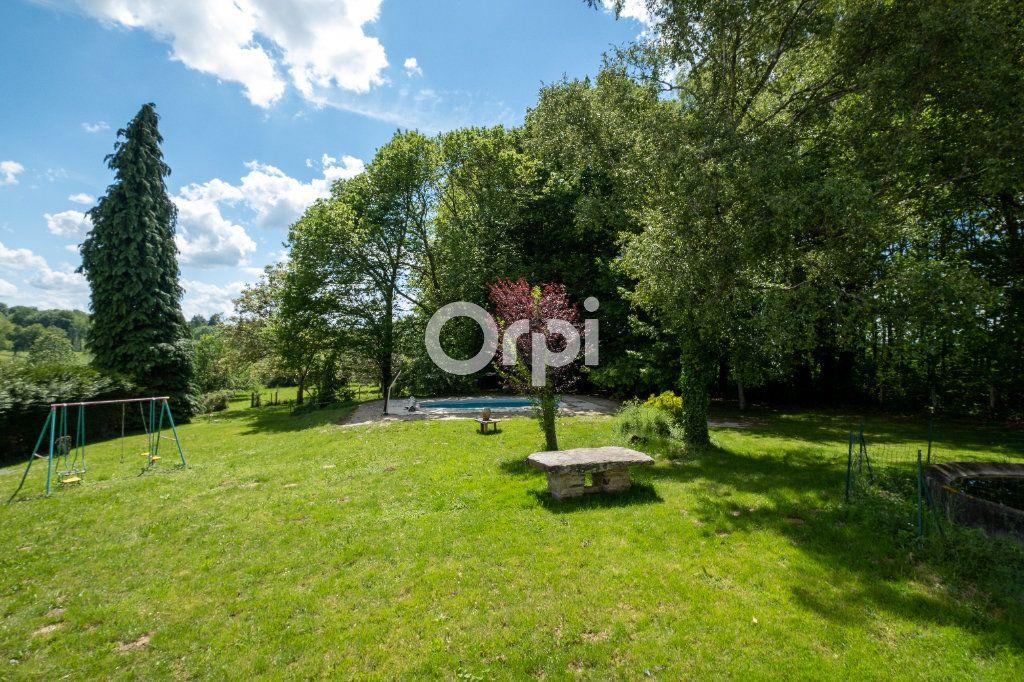 Maison à vendre 8 150m2 à Saint-Yrieix-la-Perche vignette-1