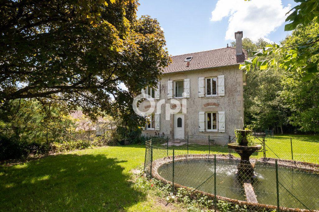 Maison à vendre 8 150m2 à Saint-Yrieix-la-Perche vignette-2