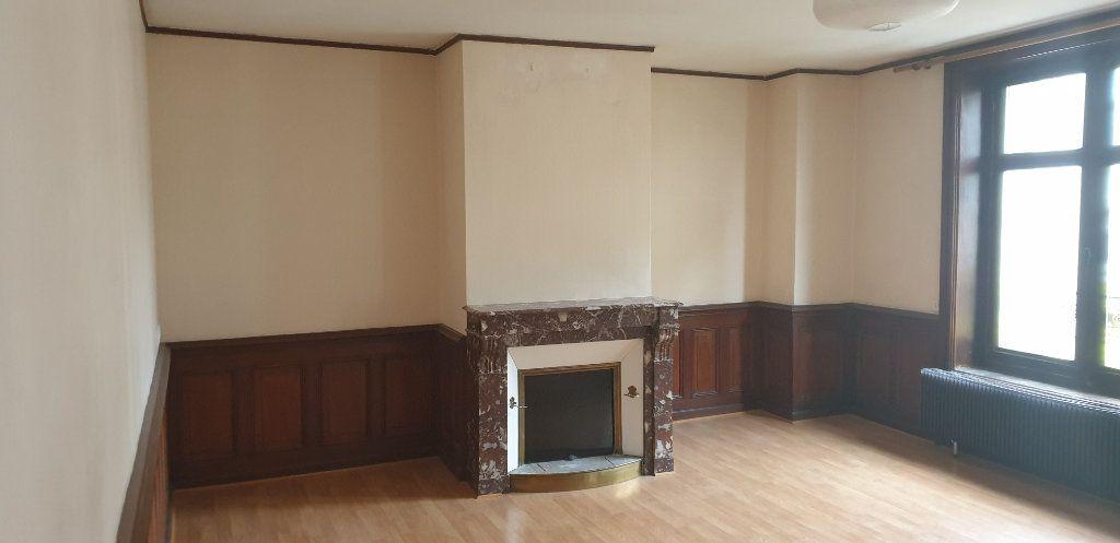 Appartement à louer 4 117.97m2 à Limoges vignette-3