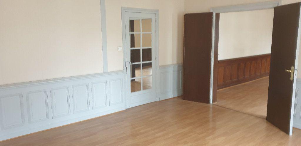 Appartement à louer 4 117.97m2 à Limoges vignette-5