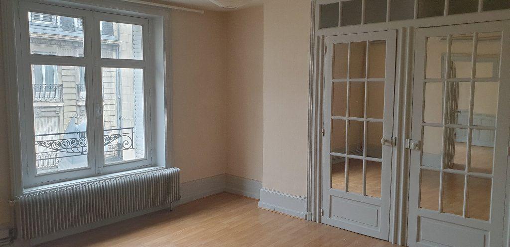 Appartement à louer 4 117.97m2 à Limoges vignette-7