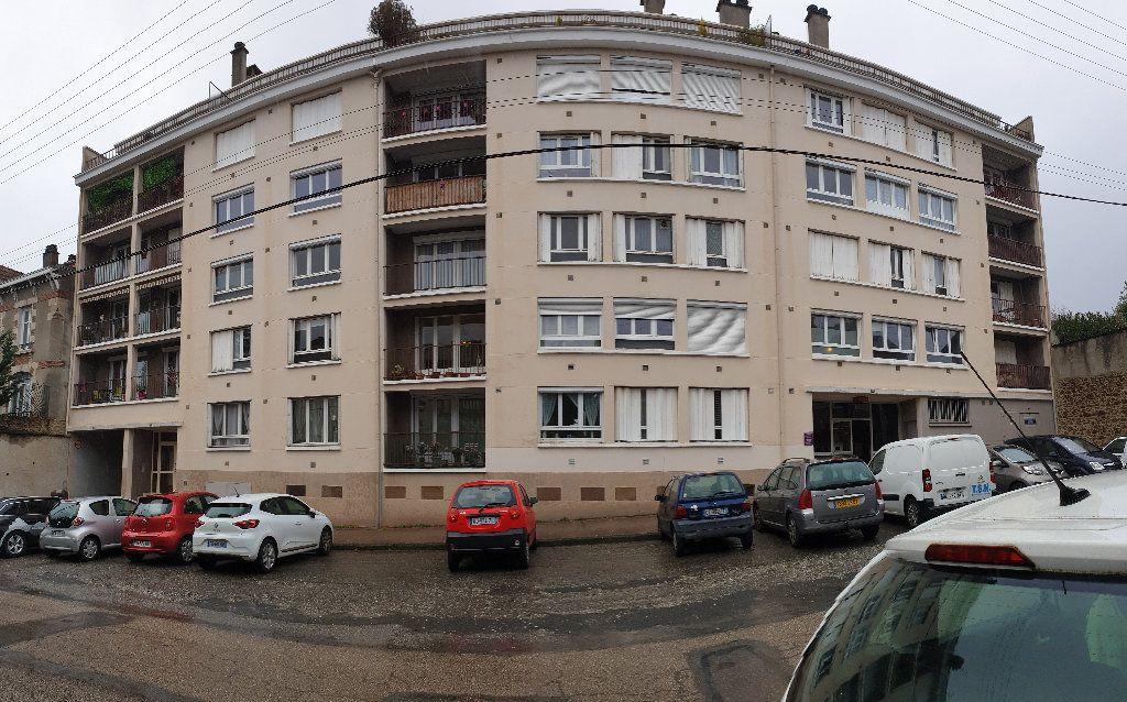 Appartement à louer 1 37.48m2 à Limoges vignette-1