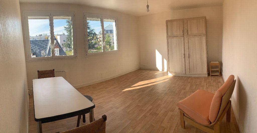 Appartement à louer 1 37.48m2 à Limoges vignette-2