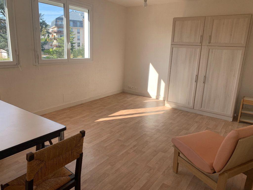 Appartement à louer 1 37.48m2 à Limoges vignette-3